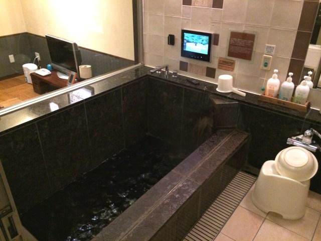 東京23区内に「温泉風呂付き客室」があるホテルを発見 / しかも源泉掛け流しで清潔な湯に何度も入れる