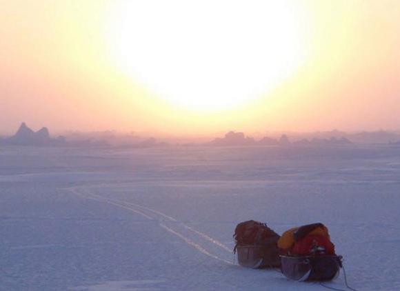 【北極冒険37日目】東西リードに遭遇するもドライスーツで越えられず / 迂回して難を逃れる