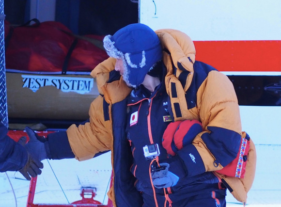 【北極冒険番外編】荻田氏を無事にピックアップ / 約50日ぶりに陸地に帰りつく