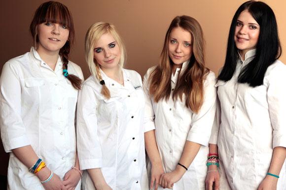 YouTubeに日本語の曲を発表しつづけ話題! ロシアのガールズバンド『Pudra』の日本ライブが決定 / 少女達はなぜ日本にこだわるのか?