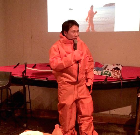 【北極冒険29日目】幅100メートルのリードに相次いで遭遇 / ドライスーツを着用して渡り切る