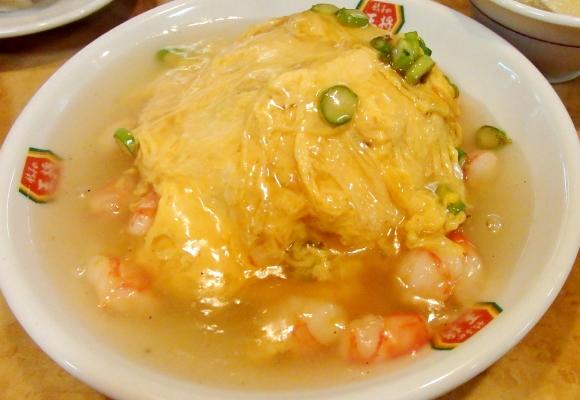 「餃子の王将」の一部店舗のみで販売している「極王天津飯」「極王炒飯」を知っているか? 実際に食べてみたぞ!!
