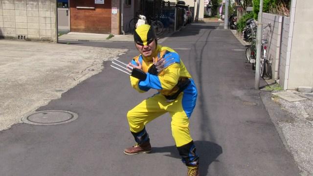 X-MENの「ウルヴァリン」みたいにスーパーヒーローになって困っているお年寄りを助けたい / 巣鴨に行ってパトロールしてみた