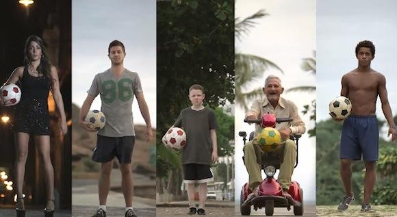 【動画あり】さすがサッカー王国ブラジル!! 美女からおじいちゃんまでもが圧巻のテクニックを披露してスゴイ!