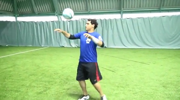 【動画あり】千葉ロッテのクルーズ選手がプロ野球選手なのにサッカーがメチャメチャうまくてビビった