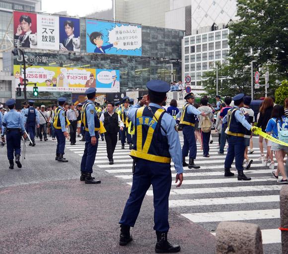 【ブラジルW杯】サッカー日本代表残念ながら敗退 / 試合終了後東京・渋谷駅前交差点は落胆ムード