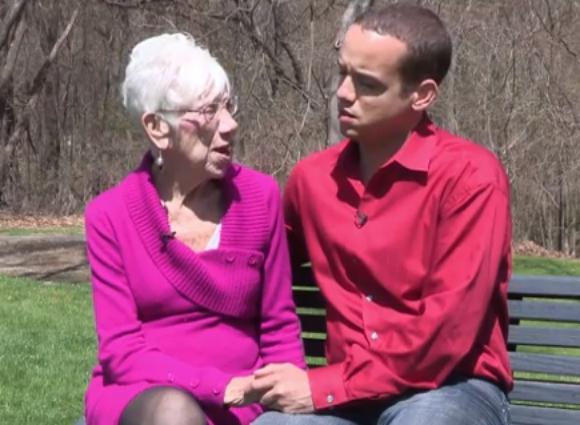 【衝撃】91歳の彼女と付き合う31歳の男性が話題 / 他にも50歳以上の彼女が5人