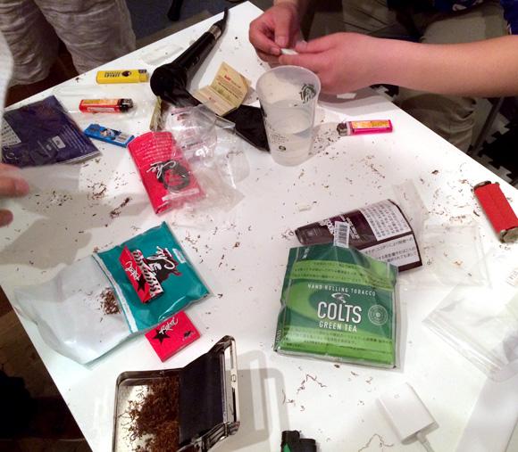 シャグの味を比べる「巻きタバコ品評会」開催! 手巻きタバコ初心者におすすめの銘柄3種+1はコレだッ!!