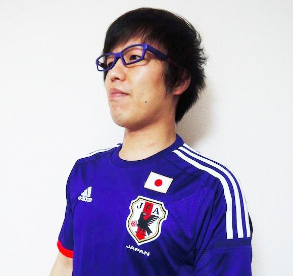 【必見】これがあればサッカー日本代表と一心同体!新ユニフォームカラーのメガネが登場!!