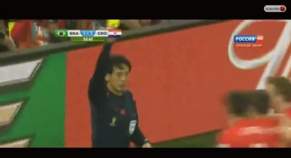 【動画あり】ブラジルW杯の開幕戦「ブラジル vs クロアチア」で日本人審判 西村雄一主審の判定が大論争に
