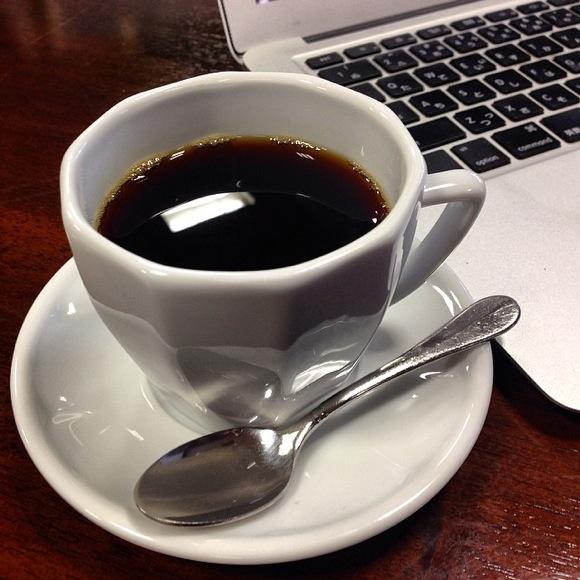 【コラム】読書とコーヒーをゆっくり楽しめるはずの「ブックカフェ」なのに便意をもよおす要素だらけで全然ゆっくりできない