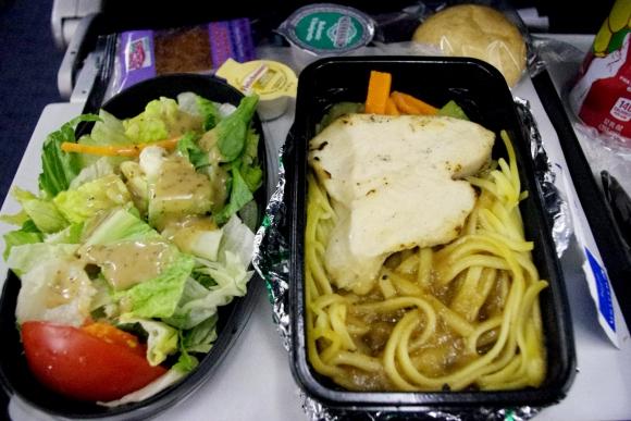 【世界の機内食】シカゴ・オヘア国際空港〜サンパウロ・グアルーリョス国際空港(ユナイテッド航空 UAL)