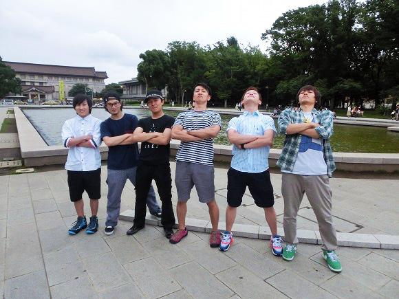 【衝撃検証動画】上野公園で「ヲタ芸」を練習している若者に1時間みっちり教えてもらったらどれくらい踊れるようになるのかやってみた!