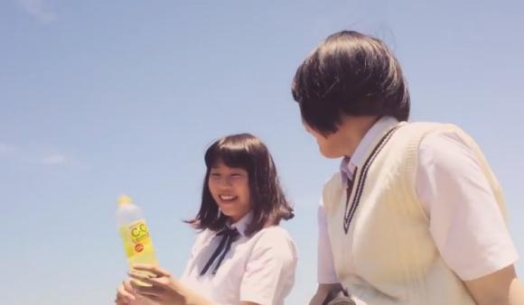 【動画あり】女子高生が忍者のように飛び回る! C.C.レモンのCMが最高にクール!!