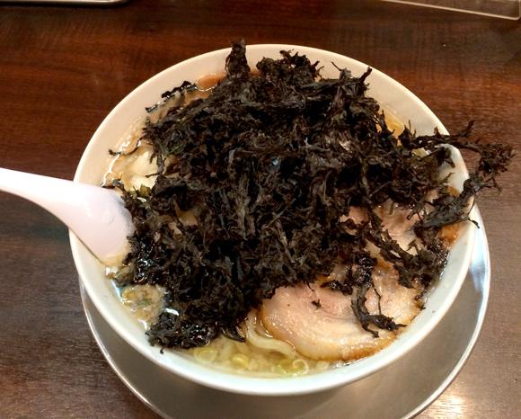 岩のりで麺もスープもほとんど見えない! 新潟発祥燕三条系ラーメンを堪能できる「らーめん潤」 東京・亀戸