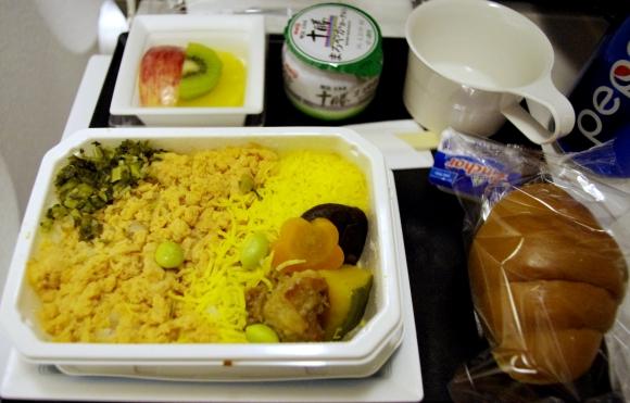【世界の機内食】成田空港〜シカゴ・オヘア国際空港(全日空 ANA)