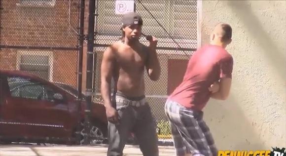 【マジ怖い】アメリカで人に屁をひっかけたらこうなるっていう検証動画