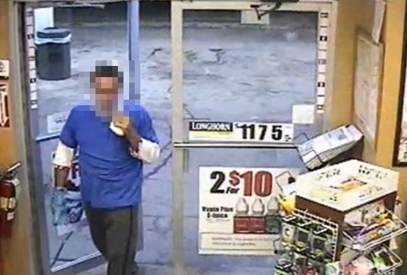 【マジかよ】強盗がビニール袋をかぶってコンビニに侵入 → ビニールが透明で顔丸見え!