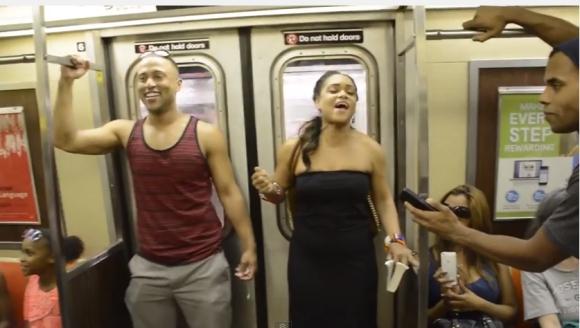 ニューヨークの地下鉄で起きたサプライズ合唱! 人気ミュージカル『ライオンキング』のキャストが車内で突然歌い始める動画が鳥肌モノ!!