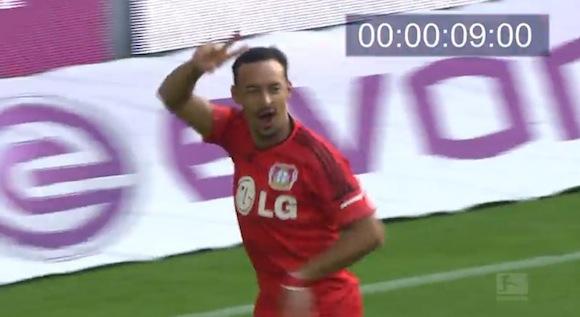 【衝撃サッカー動画】まさに電光石火! ドイツリーグで史上最速記録「9秒」のキックオフゴールが炸裂!!