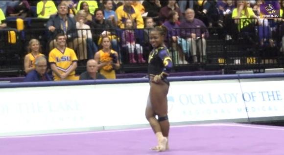 【衝撃動画】未だかつてないノリで満点を獲得した女子体操選手がスゲエ!!