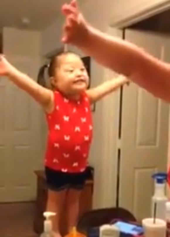 【アナと雪の女王】これが過去最高の「レット・イット・ゴー」だ! ダウン症の女の子のパファーマンス動画が世界中でシェアされて拡散中!!