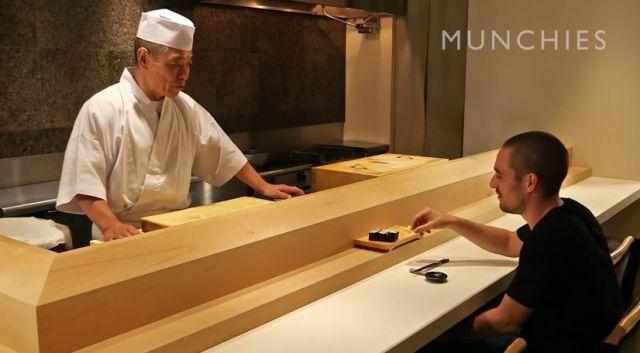 寿司屋の大将が「外国人に正しい寿司の食べ方を指導する動画」が海外で大反響! 再生回数180万回超え!!