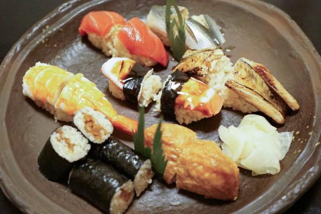 """群馬県の老舗寿司店『初日総本店』で食べられる """"明治時代の寿司"""" が安くて激ウマ! 現代の寿司と食べ比べることもできるぞ"""