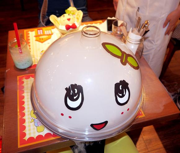 ファンならマスト! 開店したばかりの「ふなっしーカフェ」で食べるべきスイーツはコレ / ふなっしー自身もオススメする「イリュージョンムース」