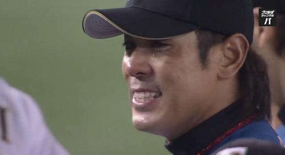 【感動野球動画】今季限りで引退する日本ハム・稲葉篤紀選手が東京ドーム最終戦で流した涙が何度見ても美しい