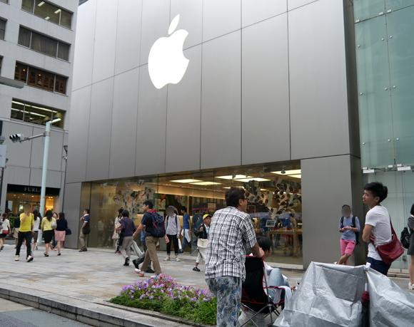 【マジかよ】まだ発表されていない「iPhone6」を購入するためにすでに銀座アップルストアに並んでいるヤツがいるぞッ!