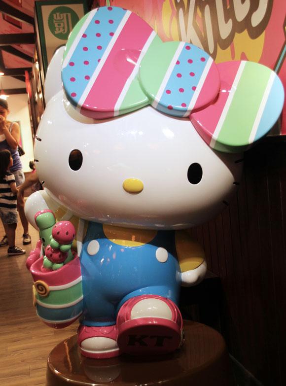 【心からおめでとう】本日11月1日はキティちゃんの誕生日! キティちゃん40歳おめでとう!!