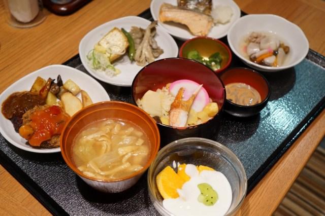 最強ビジネスホテル『ドーミーイン』は新潟でもスゴかった / 温泉付き・朝からカニ入り「わっぱ飯」が出て5100円からという神コスパ