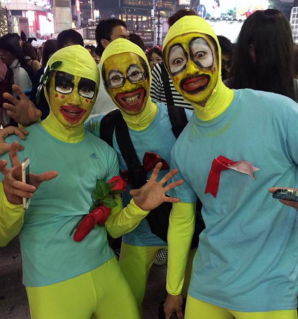 【ハロウィン2014】東京・渋谷駅前交差点は大混乱! そしてさとっしーは大人気