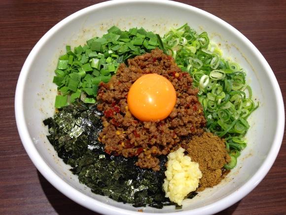 【流行2秒前】名古屋の激ウマ麺「台湾まぜそば」発祥の店が東京にもあった! 東京・新宿『麺屋 はなび』