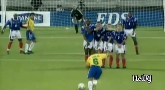 【衝撃サッカー動画】誰が見てもスゴいことがわかる! 歴史に残るスーパーゴール35連発