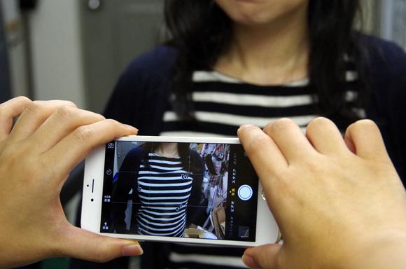 """【技術革新】iPhone6 Plusのある機能で女子のお胸を撮影すると """"天然か豊胸か"""" が分かるかもしれない"""