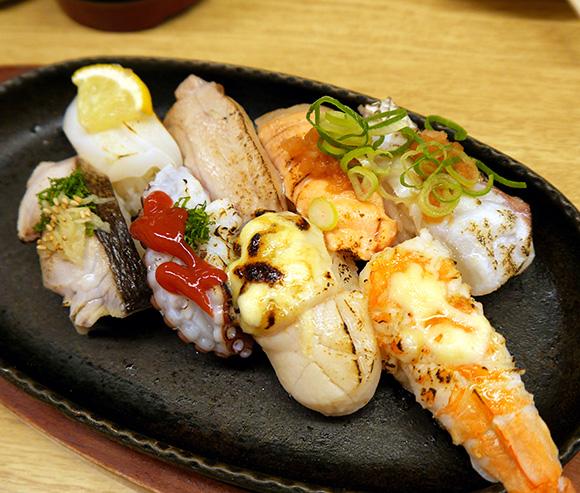 大阪『なんばグランド花月』近くの寿司店で盛り合わせを頼んだら鉄板に乗って出てきてマジでビビった!