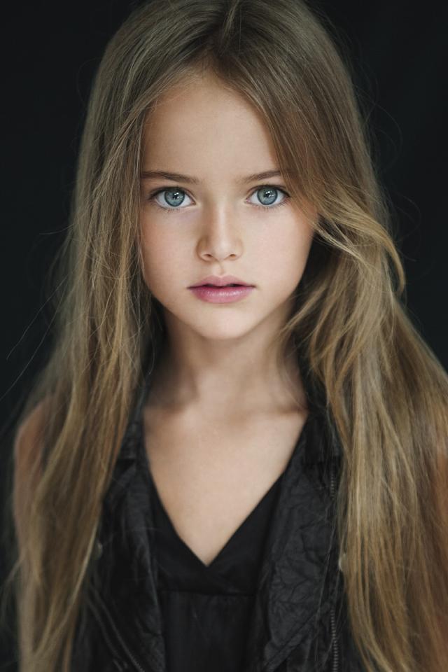 【世界美少女探訪】小学生にして恐ろしいほどの美貌! ロシアの完璧美少女「クリスティーナ・ピメノヴァ」ちゃん(8歳)