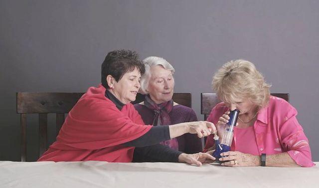 3人のおばあちゃんがマリファナを初・体・験……したらこうなった! 女子会が大いに盛り上がってイイ感じに!!