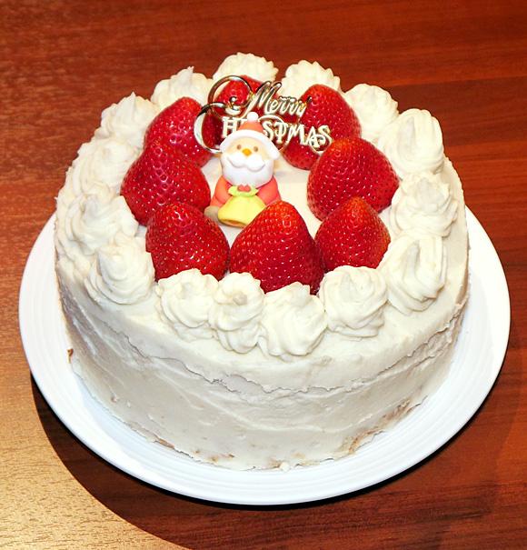 焼き鳥専門店『全や連総本店』が提供を開始した「ケーキやきとり」がどう見ても完全にケーキ! でも味は肉々しくて頭が混乱する