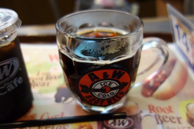 【ハマるか一口で飲むのを止めるか】沖縄県でもっとも簡単に飲める沖縄ドリンク「A&Wの生ルートビア」