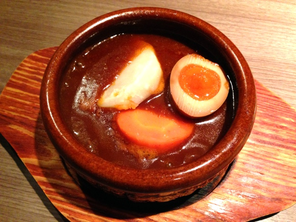 焼肉屋なのに「ビーフシチュー」が絶品で笑った / 洋食屋さんがコッソリ食べにくるレベル 東京・谷中『焼肉 醍醐』