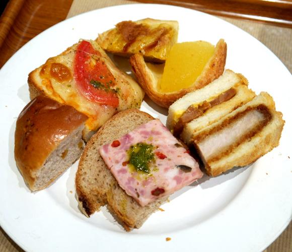 【グルメ】時間無制限パン食べ放題! 東京駅八重洲地下街人気のランチビュッフェ「サンドッグイン神戸屋」は一巡目を狙っていけ