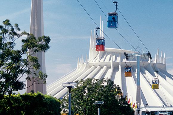 【みんな知ってるあたりまえ知識】東京ディズニーランドの「ロープウェイ」が今はもう無い