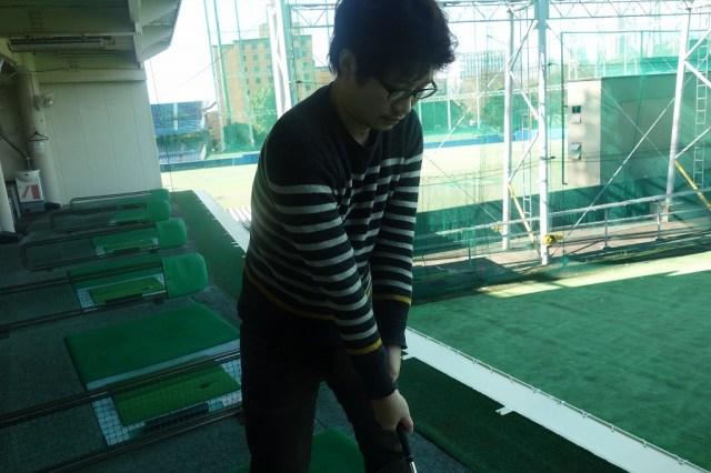 【3連休に特訓】ゴルフの超初心者がキヤノンのビデオカメラ「iVIS mini X」で自分のスイングを撮影してみた / 修正ポイントがありすぎて泣けた