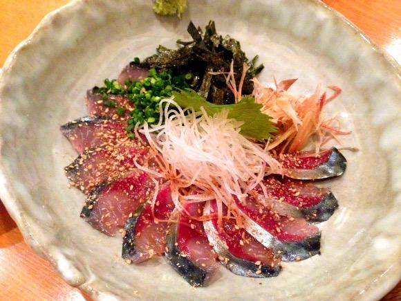 【福岡グルメ】地元人に教えてもらった九州のウマいものが一通り食べられる便利なお店 / 特に「ごま鯖」は絶品! 薬院大通『けごや 鰓』