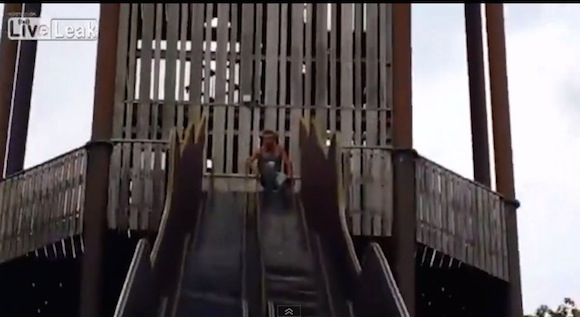【衝撃検証動画】使用禁止になっているのも納得! 実際に「恐怖の滑り台」で滑ってみたらこうなった