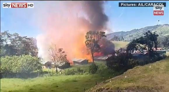 【衝撃動画】コロンビアで花火工場が大爆発! リアルタイムで撮影された映像が想像を絶するほどヤバい!!