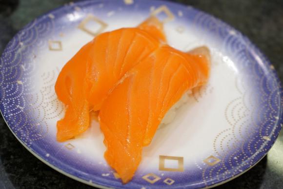 「裏メニューでサーモンを置いてある街の寿司屋が安くて美味しいワケ」ベテラン寿司職人が語る納得の理由とは